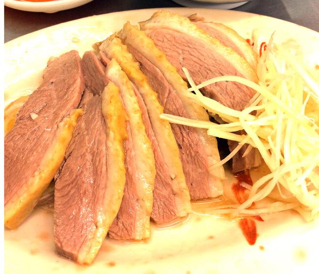 「東門鵝肉攤」ガチョウ肉って初めて食べたけどかなりおいしいです