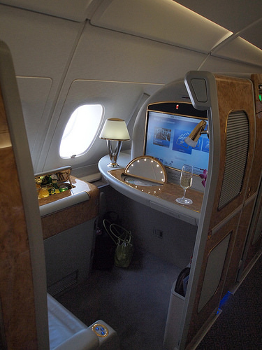 ファーストクラス体験記-エミレーツA380プライベートスイーツ