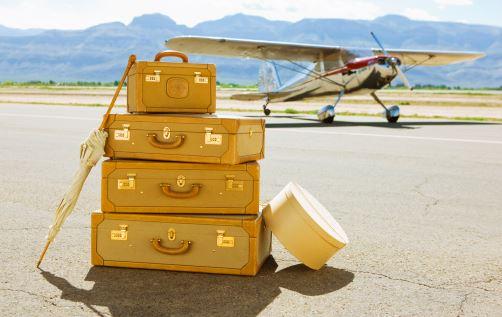 海外旅行の持ち物リスト 機内で快適に過ごすためにはコレが必要!